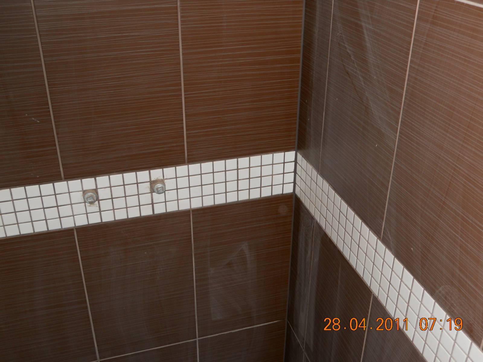 Pici fürdőszoba - Kis fürdőszoba - Fotóalbumok - Hidegburkolás